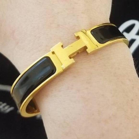 7552cb454a0 Authentic Preowned Hermes clic cracks bracelet. M_5a84520750687c1278aeea1e